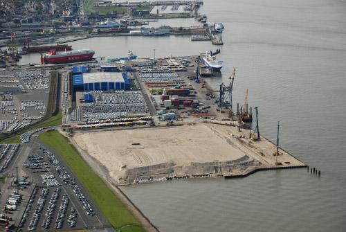 Neues Terminal-Managementsystem für Cuxport 1